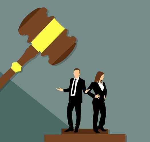 допомога юриста в суді